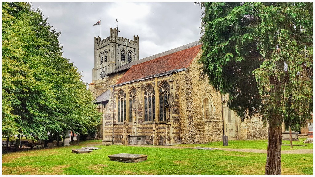 Waltham Abbey by lyndamcg