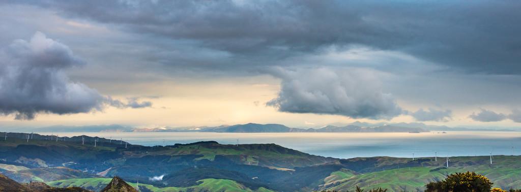 Race the Rain on Mt KauKau -2 by yaorenliu