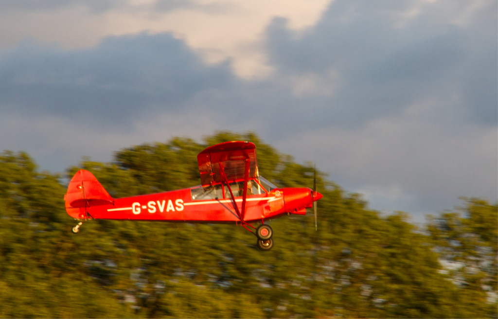 Low flying aircraft by mave