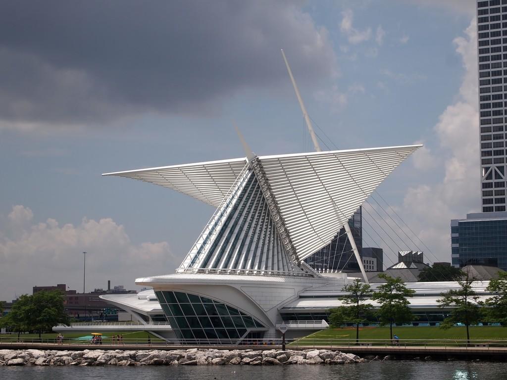 Milwaukee Art Museum by blueberry1222