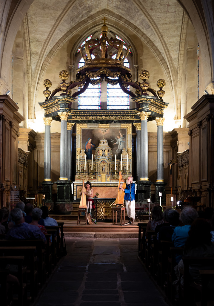 Concert in Paimpont Abbey by vignouse