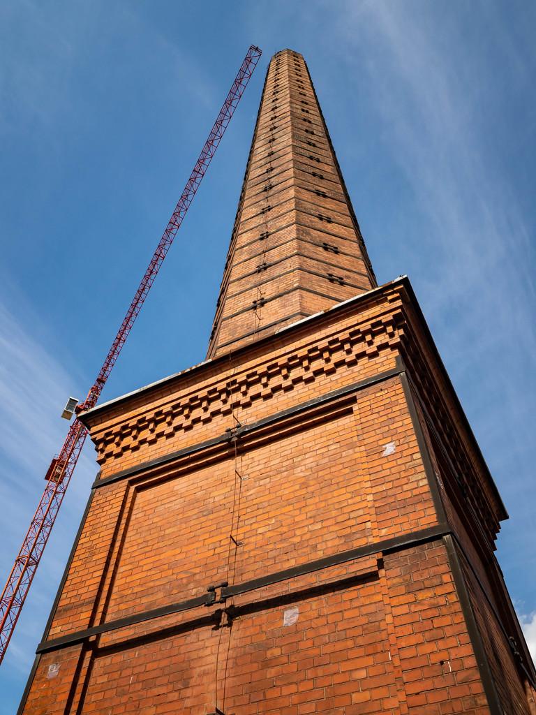 Chimney and crane by haskar