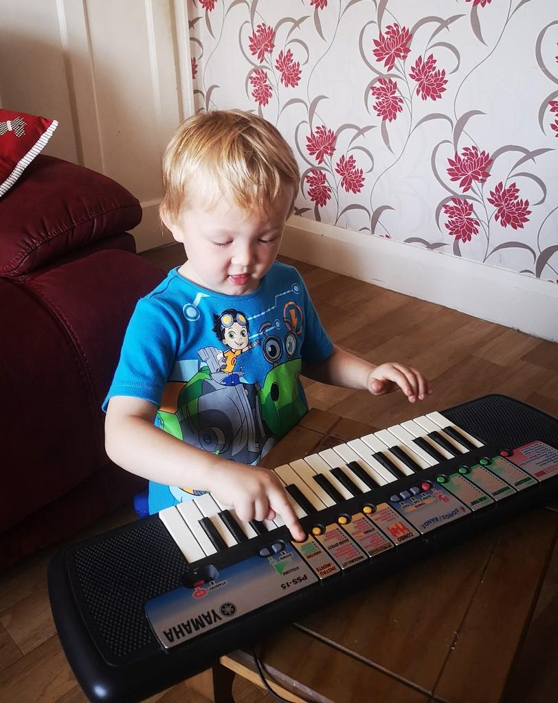 Keyboard Fun by plainjaneandnononsense