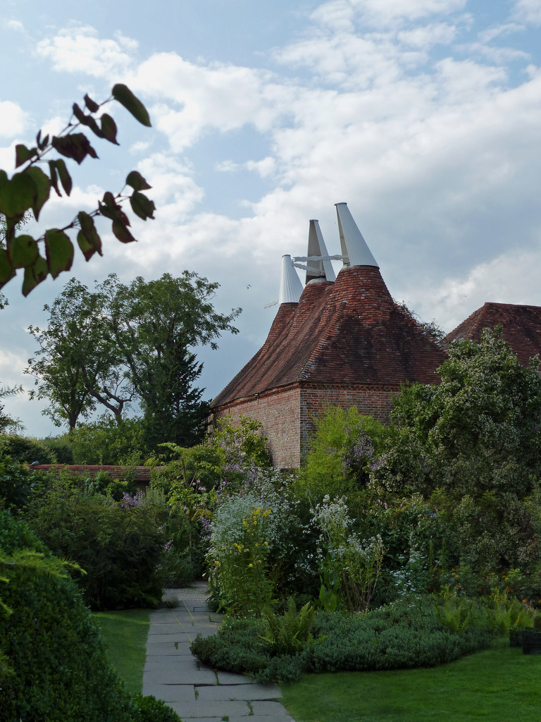 Gardens at Great Dixter by judithdeacon