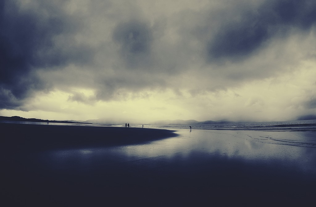 blue day on Inch strand by jack4john