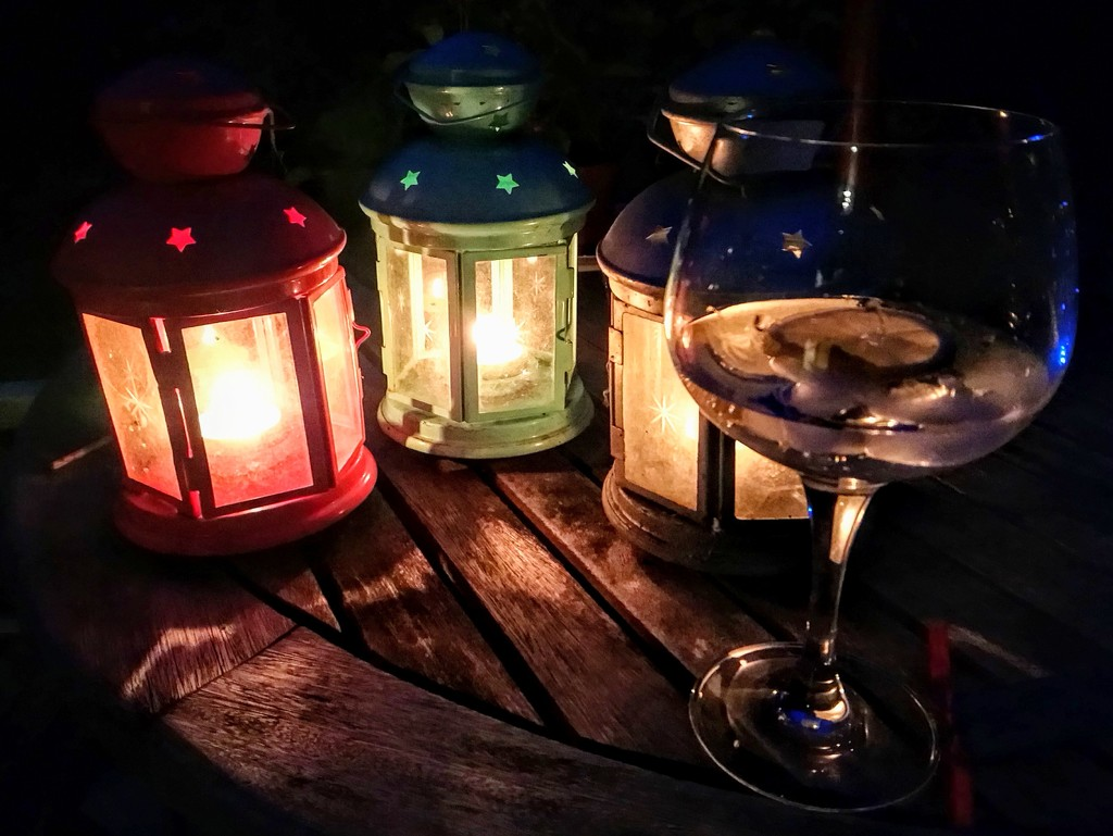Gin and lanterns by boxplayer