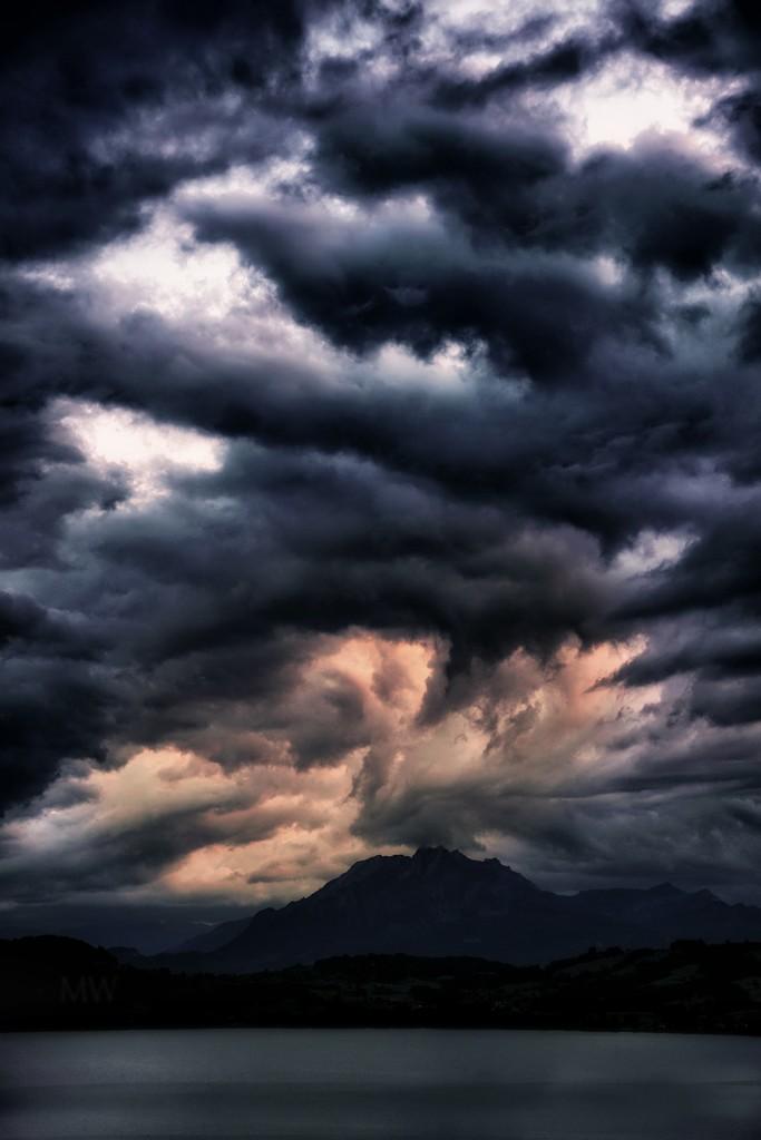 2019-08-15 drama over Mount Pilatus by mona65