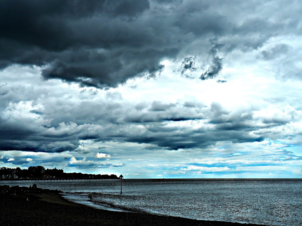 Overcast day at Felixstowe by janemartin
