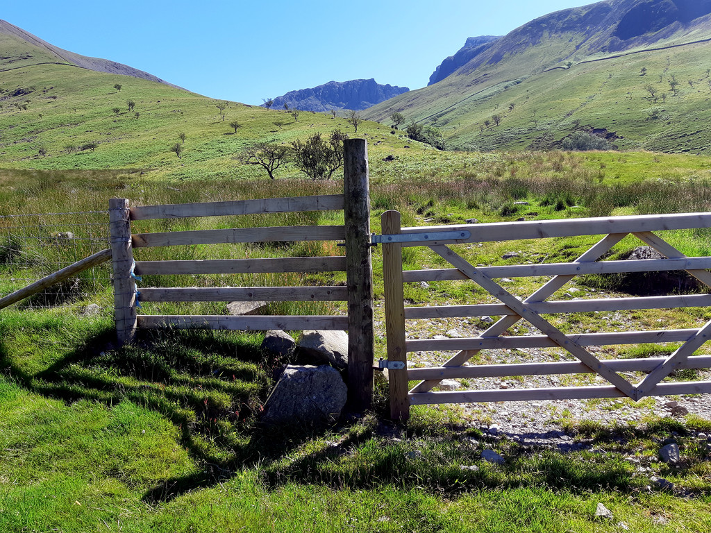 27th June towards Scafell Pike by valpetersen