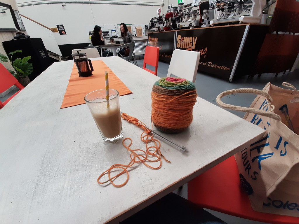 Knittin' At Simply Beans by mozette