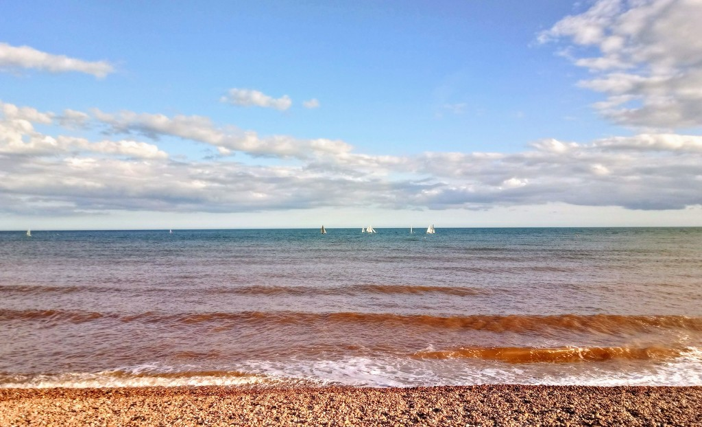 Boats on the sea at Sidmouth by boxplayer