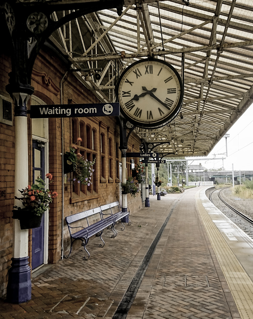 On the Victorian platform by peadar