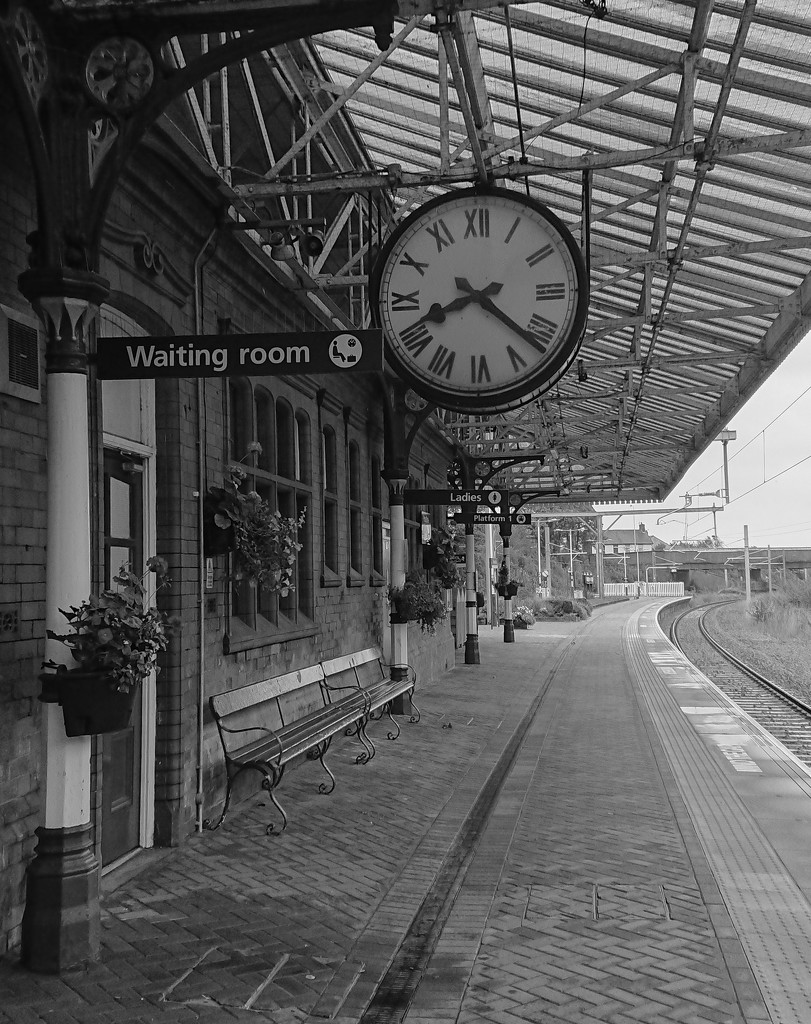 On the Victorian platform (b&w) by peadar