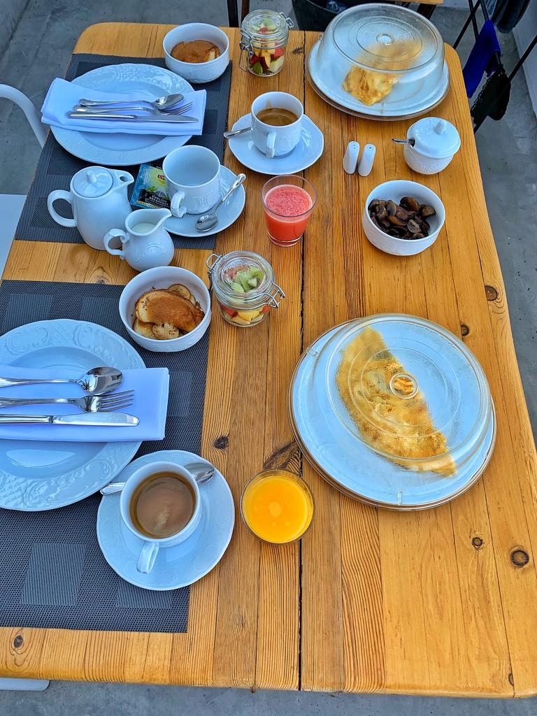 Breakfast.  by cocobella