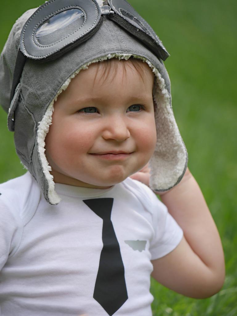 Little Pilot by gq