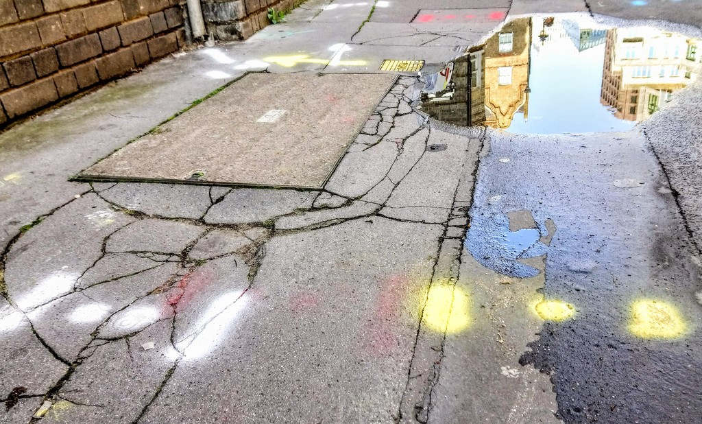 Puddle and mysterious signs by boxplayer