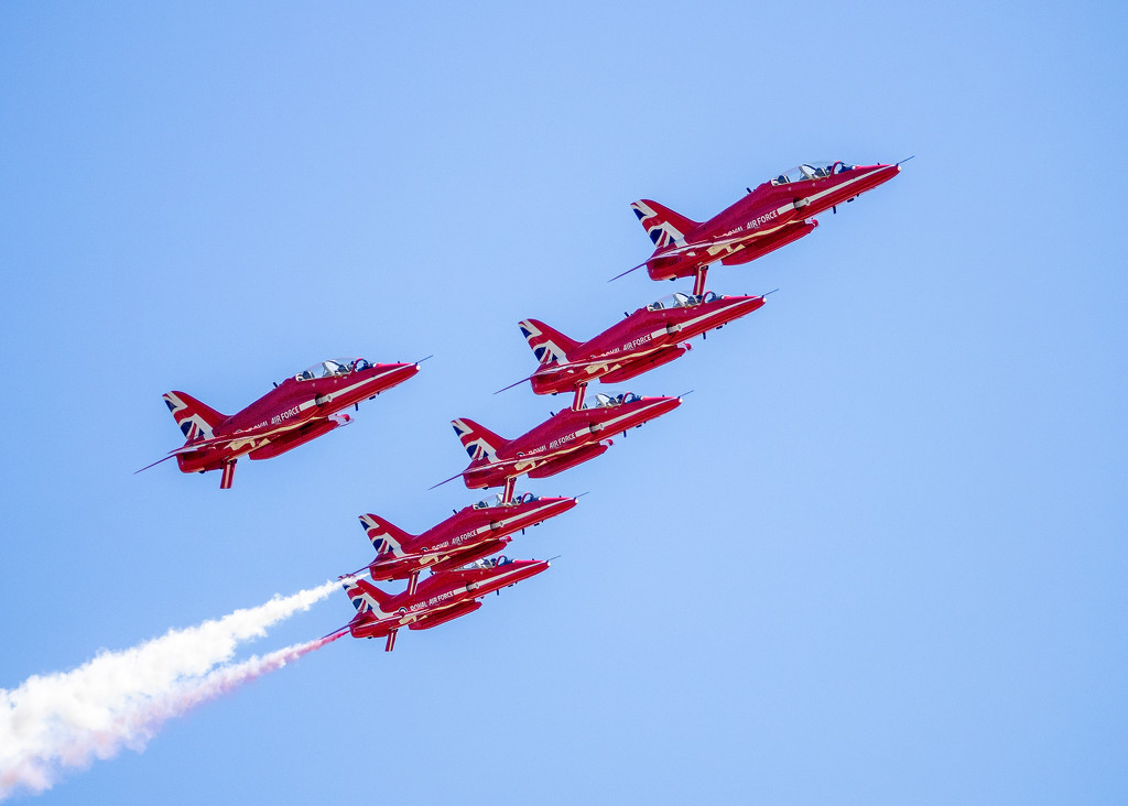RAF Red Arrows Over The Midwest by rosiekerr