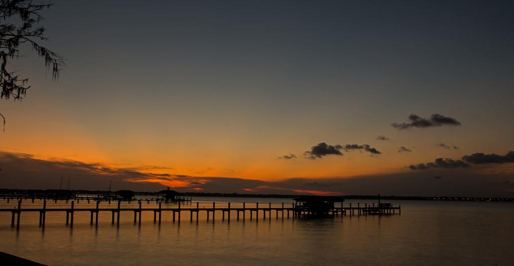 Minimal Sunset Tonight! by rickster549