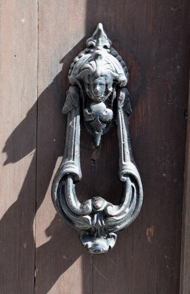 The door knocker.... by kork