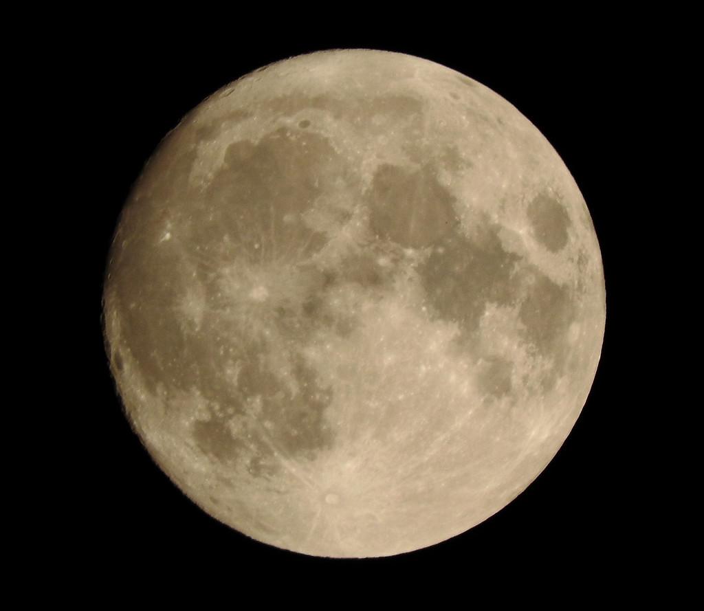 Full moon by homeschoolmom