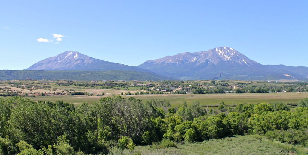The Spanish Peaks by harbie