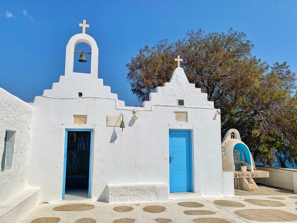 Chapel in Agios Sostis  by cocobella