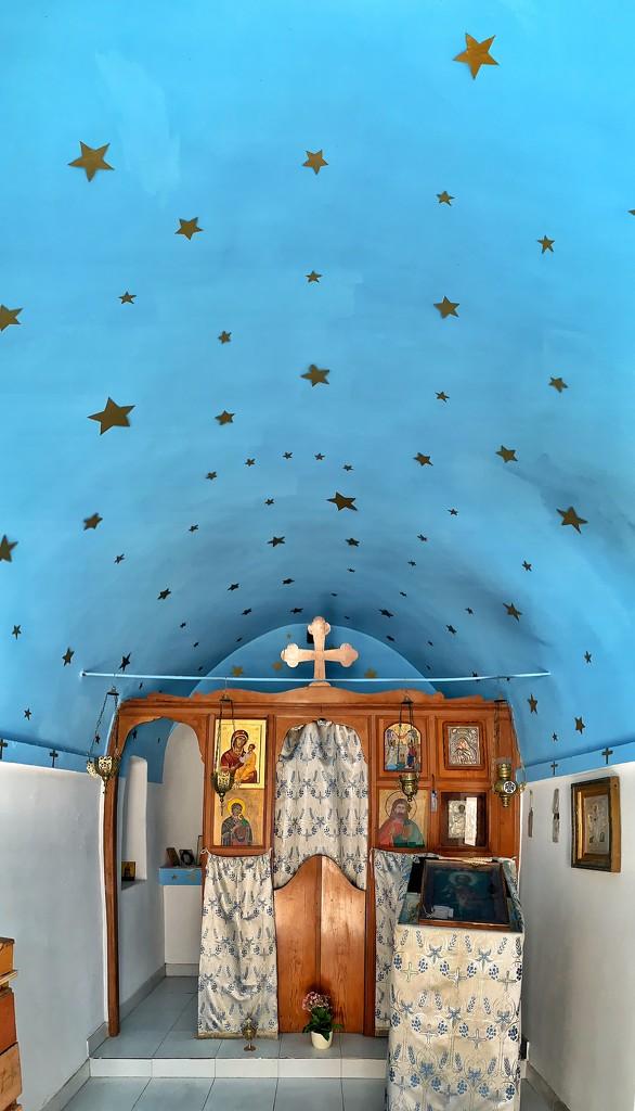Mini chapel with stars.  by cocobella