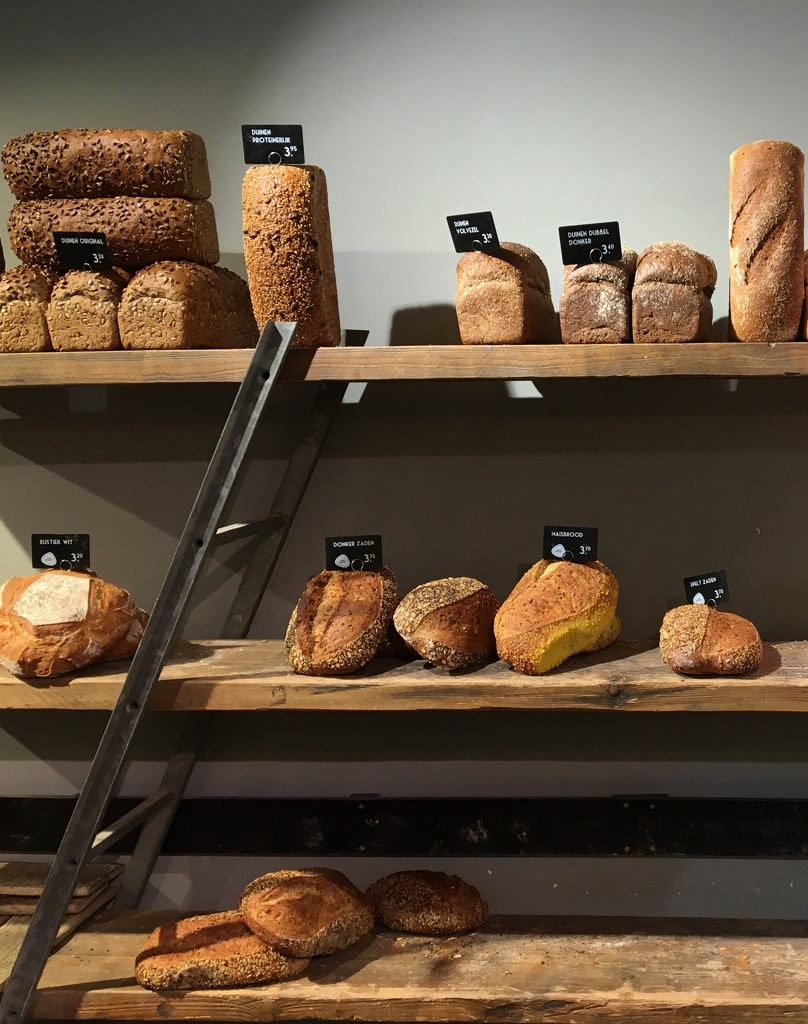 17. Bread by momamo