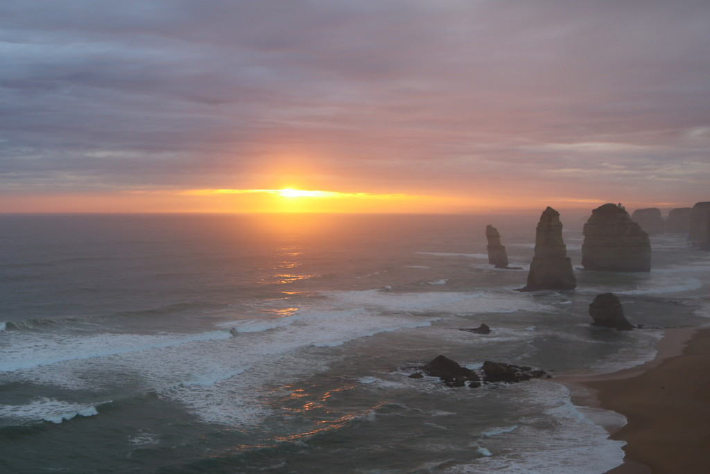 Sunset at the 12 Apostles by gilbertwood