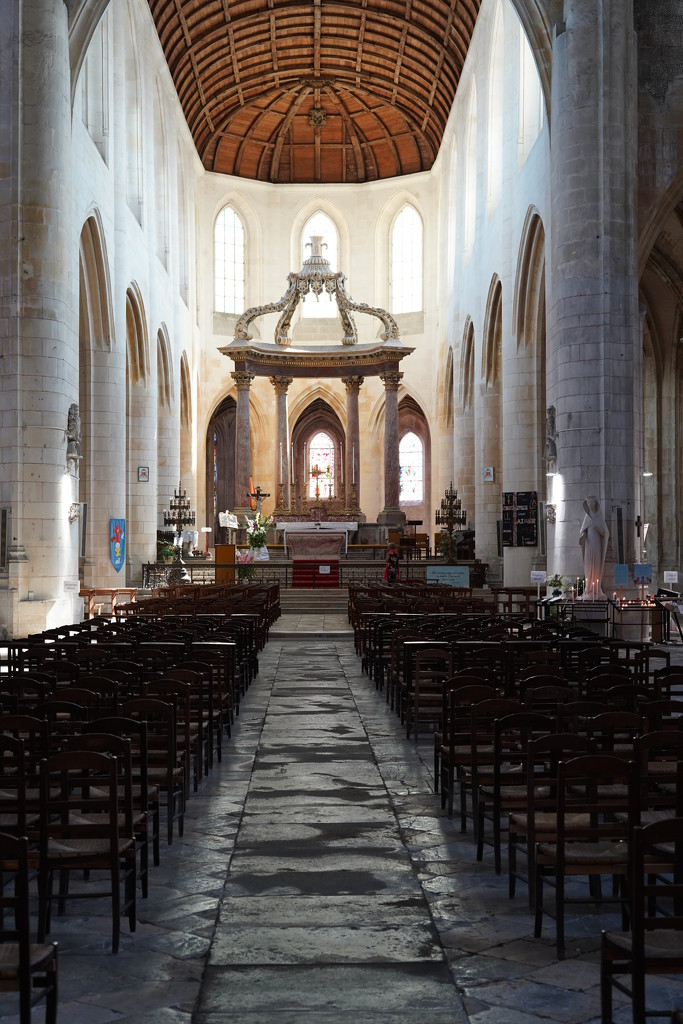NF-SOOC Day 18: Cathedral of St. Pierre, Saintes by vignouse