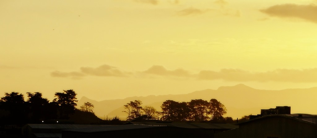Sun setting by maggiemae