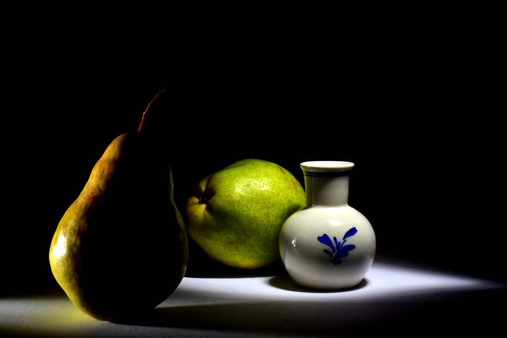 Pears & Porcelain by jayberg