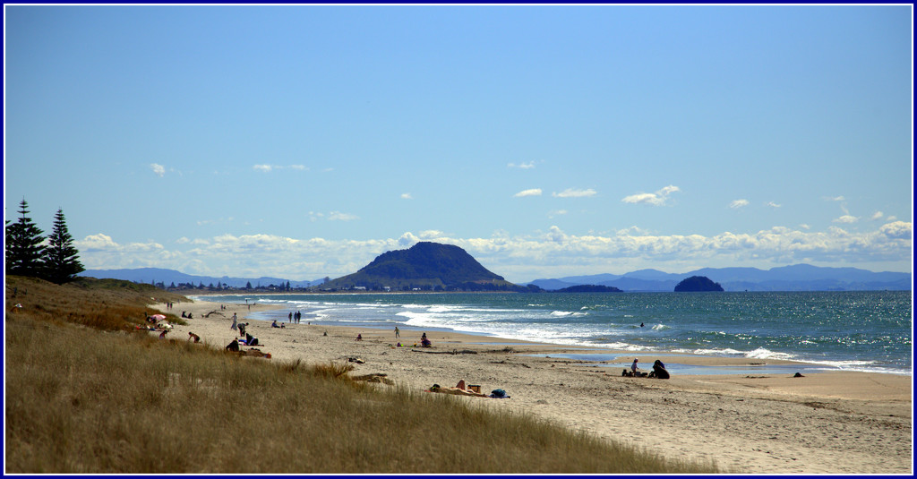 Papamoa Beach by dide