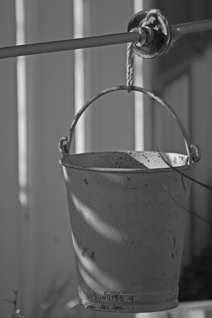 Bucket by kgolab