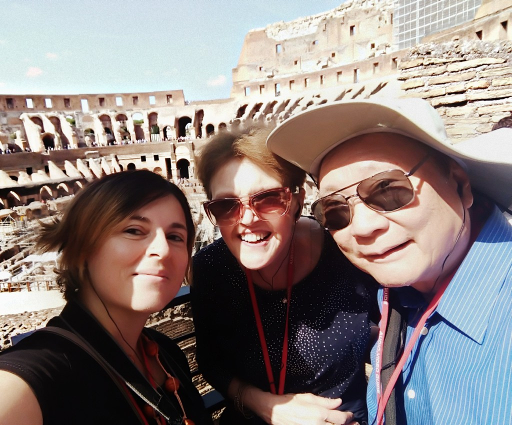 Tourists in Rome by frappa77