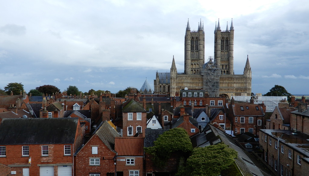 Lincoln cathedral  by busylady