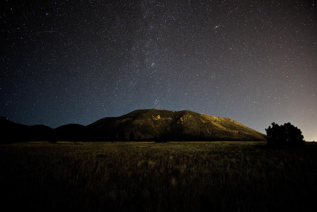 Milky Way over Mt. Eldon by joysabin