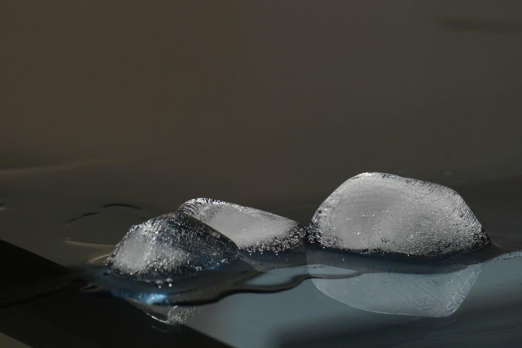 Ice Cubes  by granagringa