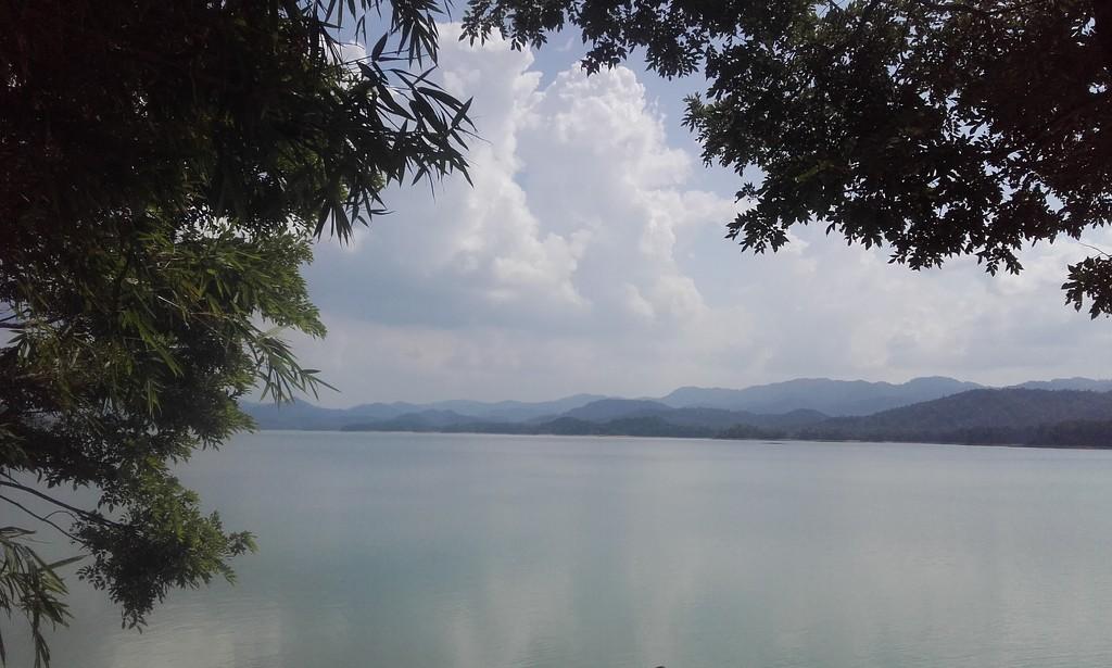 Ke Go lake by blueace