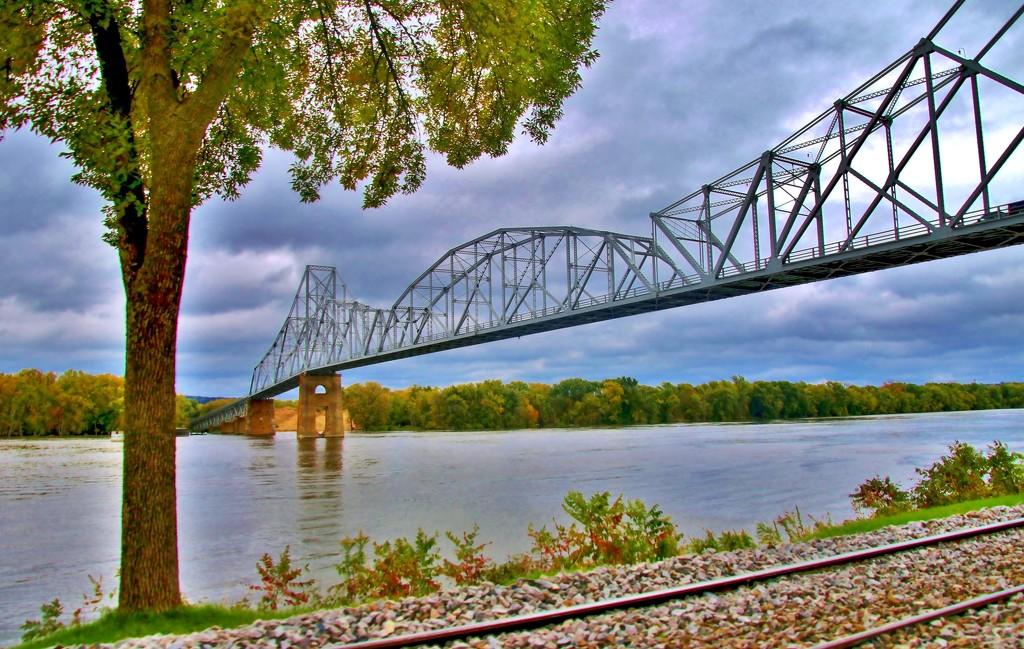 Black Hawk Bridge by lynnz