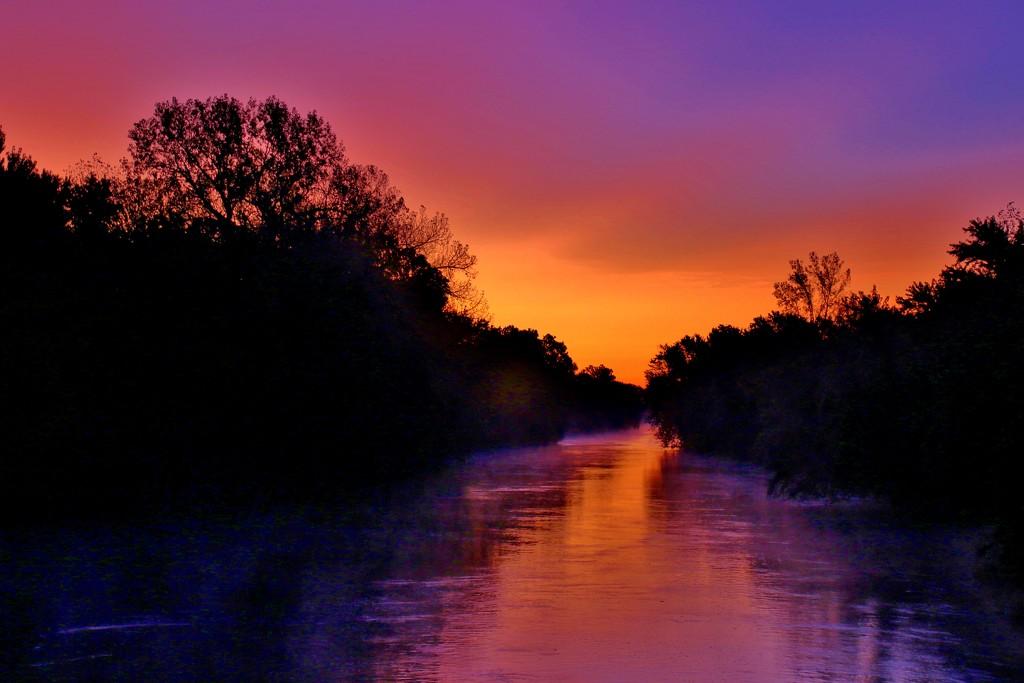 Skunk River Sunrise by lynnz