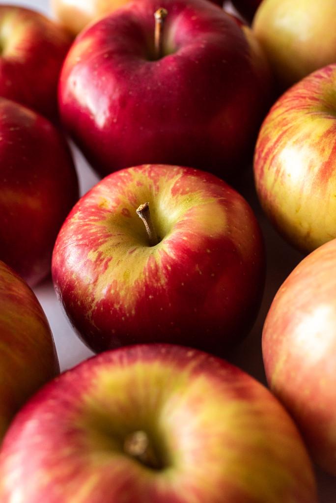 apples. by jackies365