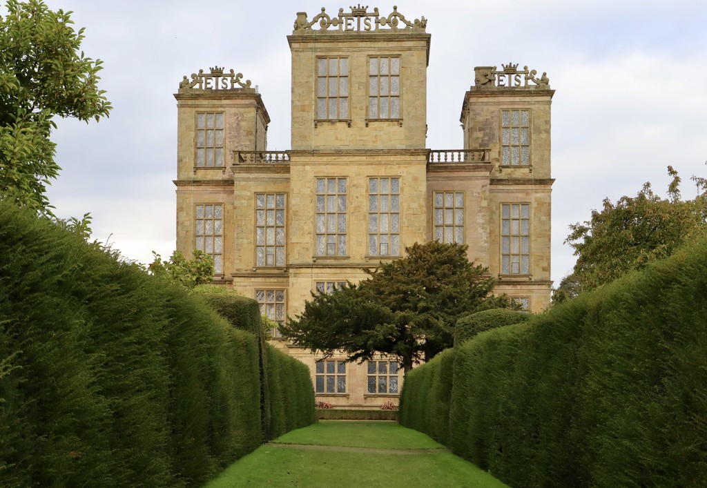 Hardwick Hall by carole_sandford