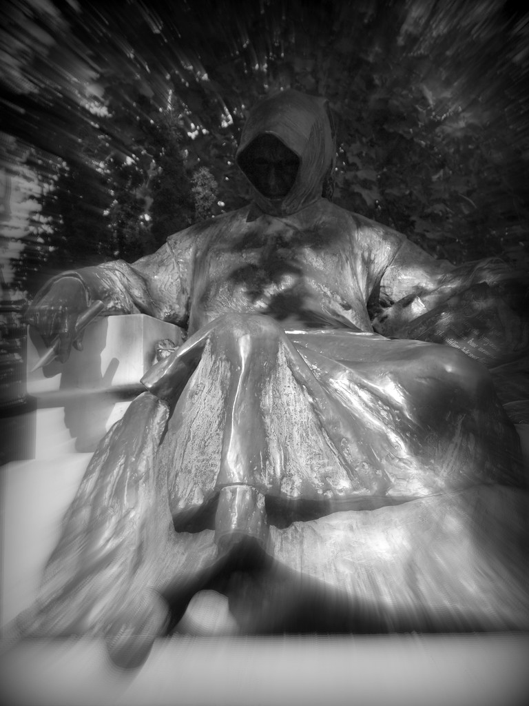 Statue of Anonymous by blueberry1222