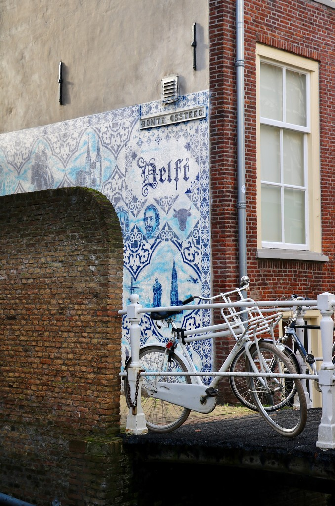 Typical Delft  by momamo