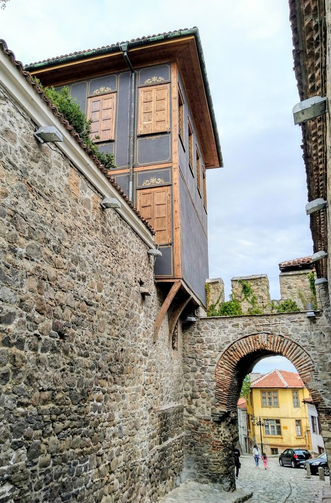 Hisar Kapia gate, Plovdiv old town by boxplayer