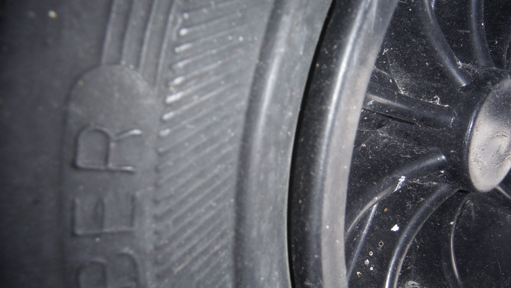 Wheelie Bins Have Tyres (Tires) Too! by spanishliz