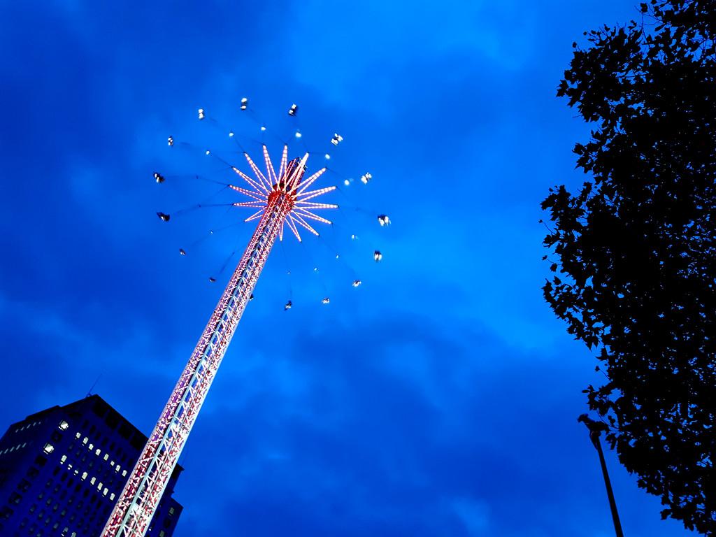 5th November twilight South Bank fairground by valpetersen