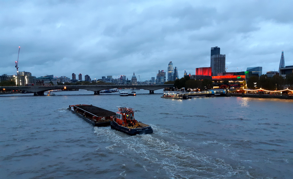 1st November barge on Thames by valpetersen