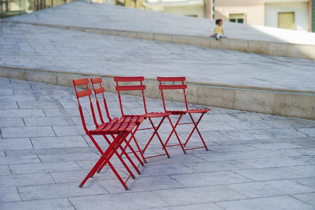 The sitting party by domenicododaro